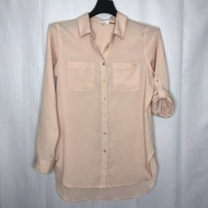 Calvin Klein Blush high/lo button front tunic top